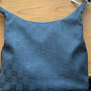 Authentic black Gucci hobo shoulder purse EUC!!